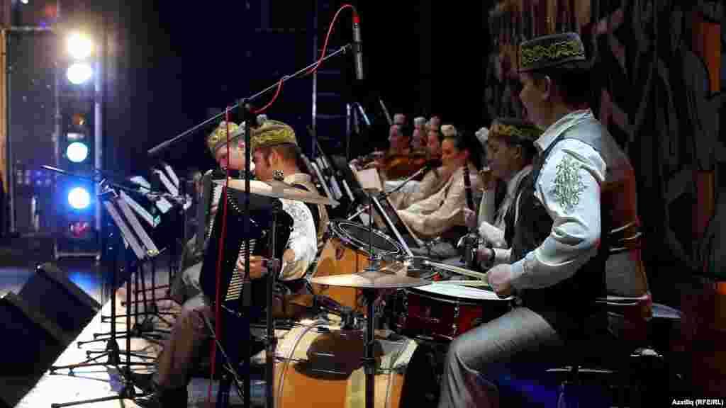 Татар дәүләт җыр-бию ансамбле оркестры