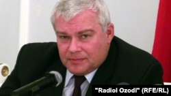 Юрий Попов, сафири Русия дар Тоҷикистон