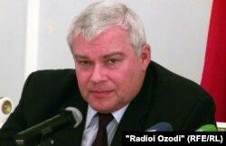 Юрий Попов, сафири Русия дар Тоҷикистон.