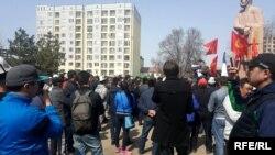 Садыр Жапаровдун тарапташтары. Бишкек