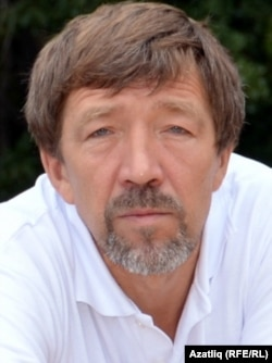 Режиссер Рөстәм Галиев