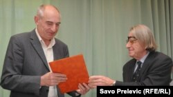 Slobodan Pejović prilikom primanja nagrade, 14. februar 2011.