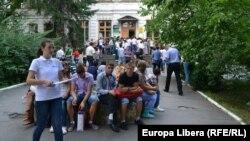 Prima zi de admitere la Universitatea de Stat, Chişinău