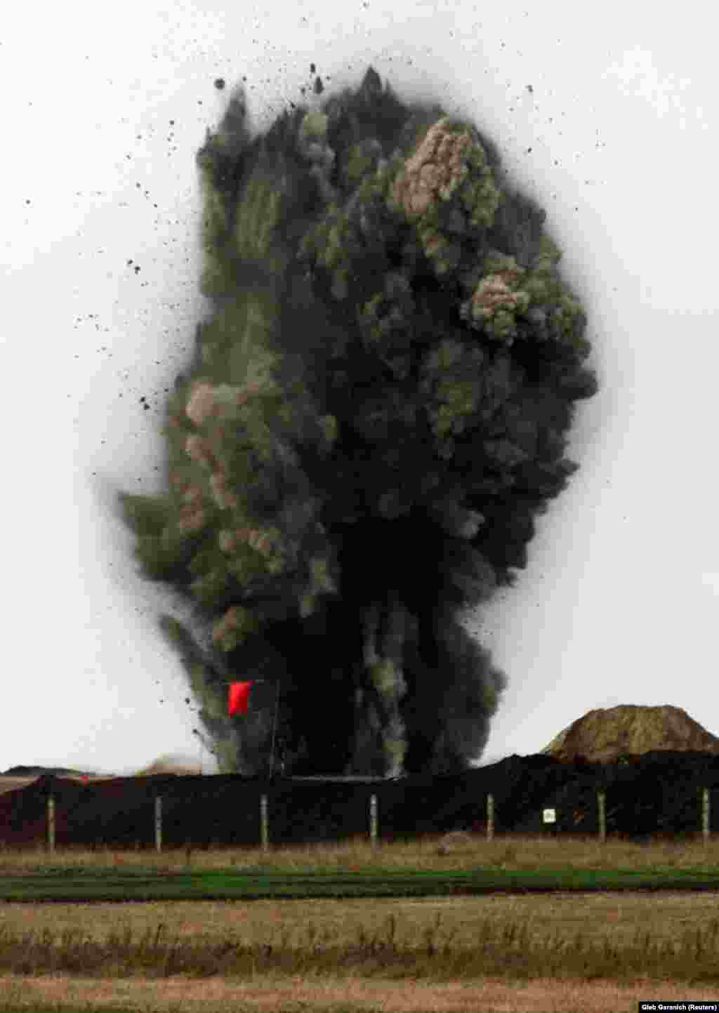 The last SS-24 missile silo being blown up near the Ukrainian town of Pervomaysk on October 30, 2001. In all, 46 SS-24 intercontinental ballistic missile silos were destroyed.