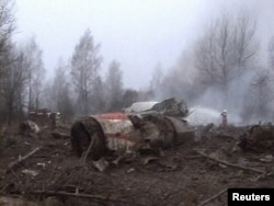 На месте «Смоленской катастрофы», 10 апреля 2010 года