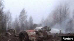 На месте авиакатастрофы, в которой погиб Лех Качиньский