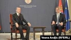 Түрк лидери Эрдоган (солдо) жана серб президенти Александр Вучич.