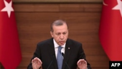 Turkey -- Turkish President Recep Tayyip Erdogan delivers a speech during the mukhtars meeting at the Presidential Complex in Ankara, April 19, 2016