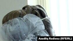 13-летняя невеста в Азербайджане. Май 2011 года.