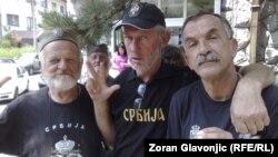 Pristalice rehabilitacije Dragoljuba Mihailovića pred sudom, 22. juni 2012.