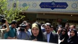 فائزه هاشمی پس از برگزاری دادگاه- ۱۶ مردادماه ۱۳۹۲