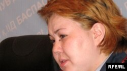 Алматы қаласы ІІД баспасөз қызметінің жетекшісі Салтанат Әзірбек. Алматы, 1 наурыз 2009 жыл.