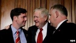 Демократы представляют законопроект как попытку исполнить обещание, данное избирателям