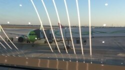 'Aşgabadyň aeroportunyň resmileri hiç hili düşündiriş bermän, oglumy daşary ýurda okuwa goýbermediler'