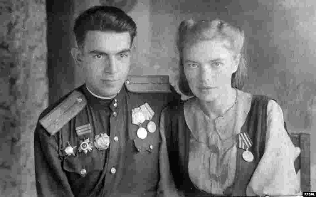 Капитан Владимир Эпштейн с супругой после войны