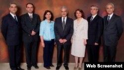 جمهوری اسلامی در سال ۱۳۸۹ هفت مدیر جامعه بهاییان ایران را به حبس های طولانی محکوم کرد