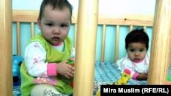 Дети в доме малюток в Шымкенте. Иллюстративное фото.