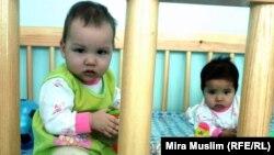 Дети, воспитываемые в доме малютки города Шымкент. 26 ноября 2010 года.