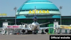 Самолет в аэропорту Астаны. Иллюстративное фото.