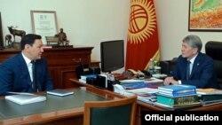 Алмазбек Атамбаев жана Абдил Сегизбаев. Бишкек. 17-май, 2017-жыл.
