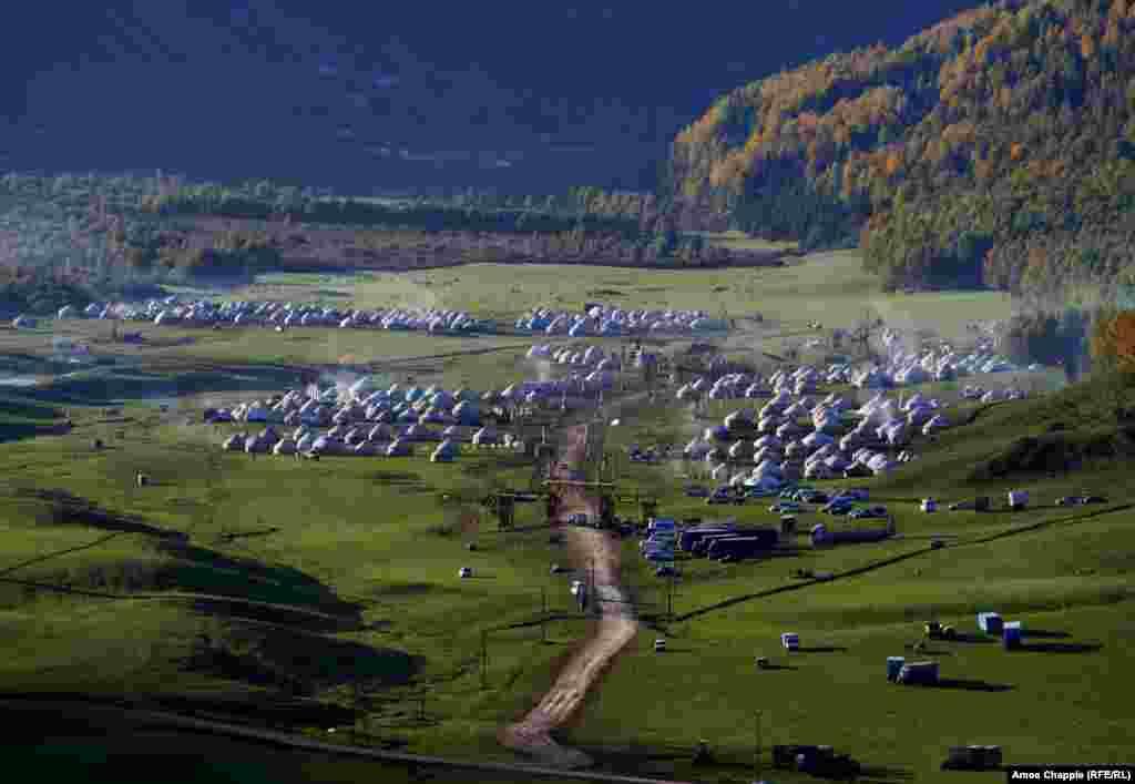 """Вместо Олимпийской деревни на """"Играх кочевников"""" - город из юрт в горах Киргизии"""