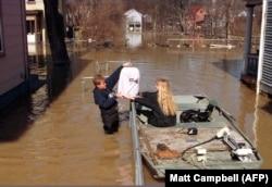 Спасение имущества во время наводнения