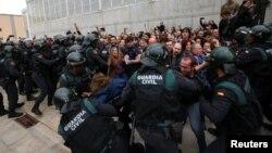 Столкновения с полицией в ходе референдума о независимости Каталонии