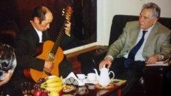Темираалы Кунашев: Чыкем сүйгөн гитара күүлөрү