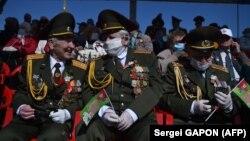 Ветераны на параде в честь 75-летия Победы в Минске, 9 мая 2020 г.