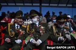Ветераны на параде Победы в Минске 9 мая 2020 года