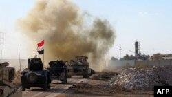 Рамадидің шығысында жүрген Ирак үкіметі күштері. 8 ақпан 2016 жыл.