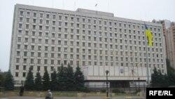 У цій будівлі працює Центральна виборча комісія України