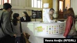 Sajam poslova u zgradi tehničkih fakulteta u Beogradu, 5. novembar 2012.