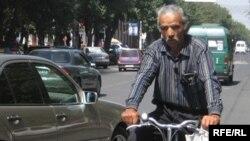 Өзбекстандык укук коргоочу Исмаил Маллабаев.