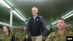 Премьер-министр Австралии Малколм Тернбулл посещает австралийский контингент в Ираке (январь 2016 года)