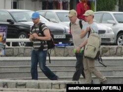 Türkmənistan. Aşqabad. Turistlər