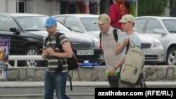 Туристы в Ашхабаде