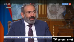 Премьер-министр Армении Никол Пашинян дает интервью телеканалу Россия 24, Ереван, 11 мая 2018 г.