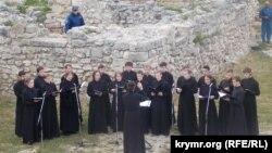 Хор семінаристів дав концерт на розкопках давньогрецького театру в Херсонесі