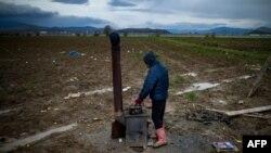Zabeleženo nedaleko od kampa u Idomeniju, 24. mart 2016.