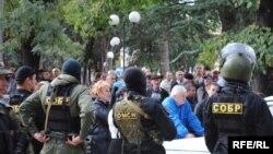 Акции протеста против полицейского произвола – это последнее, чего хотят власти в праздничные дни