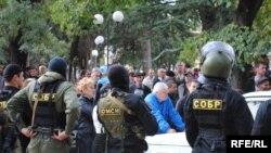 Судебные слушания по делу братьев Пухаевых, обвиняемых в измене за сотрудничество с подконтрольной Тбилиси временной администрацией, проходят в закрытом режиме, поскольку в деле рассматриваются материалы, содержащие гостайну