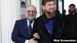 Министр ЧР по нацполитике Джамбулат Умаров и глава региона Рамзан Кадыров, архивное фото