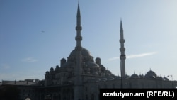 Մզկիթ Ստամբուլում, արխիվ