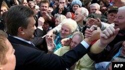 Янукович: «Неминуемо будут не только досрочные парламентские, но и досрочные президентские выборы»