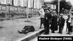 Veliku glad je Staljin namjerno stvorio: Anne Applebaum (na fotografiji: Ukrajina, 1932-33.)