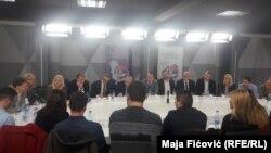 Učesnici okruglig stola u Severnoj Mitrovici