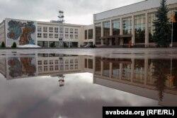 Гарвыканкам і Палац культуры на плошчы Будаўнікоў