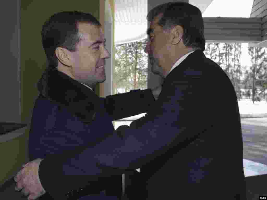 Дмитрий Медведев и президент Таджикистана Эмомали Рахмон в Завидово