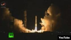 """Ресейлік """"Протон-М"""" зымыран тасығышының ұшырылуы. Байқоңыр, мамыр 2014 жыл. (Көрнекі сурет)."""